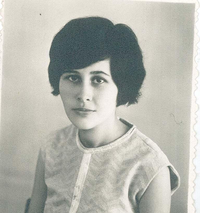 Гюльмира ГУЖАЕВА  (САДЫКОВА),  преподаватель;  40 - 50-е гг.