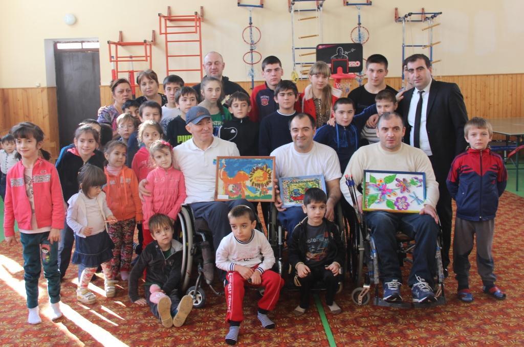 Чемпионы России по регби на колясках посетили ребят с ограниченными возможностями
