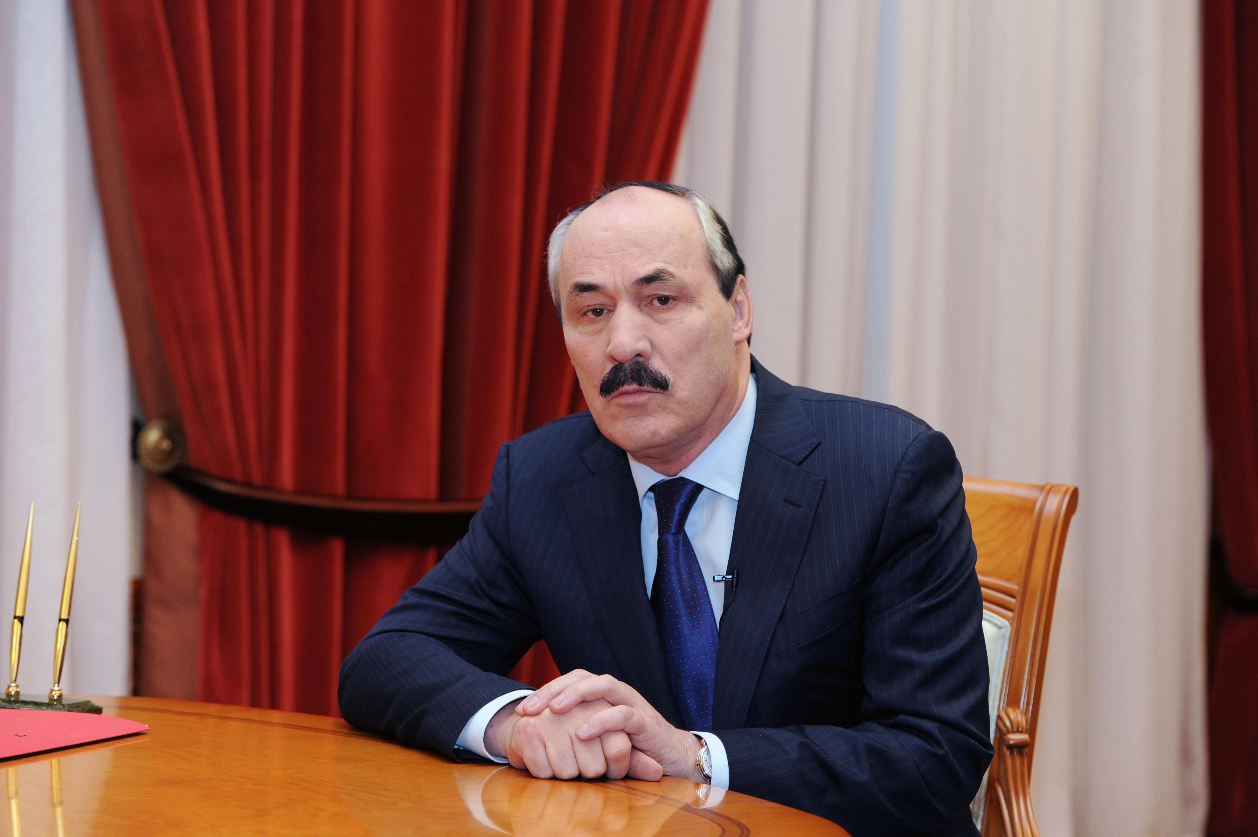 Рамазан Абдулатипов обратился к дагестанцам в преддверии празднования 2000-летия Дербента