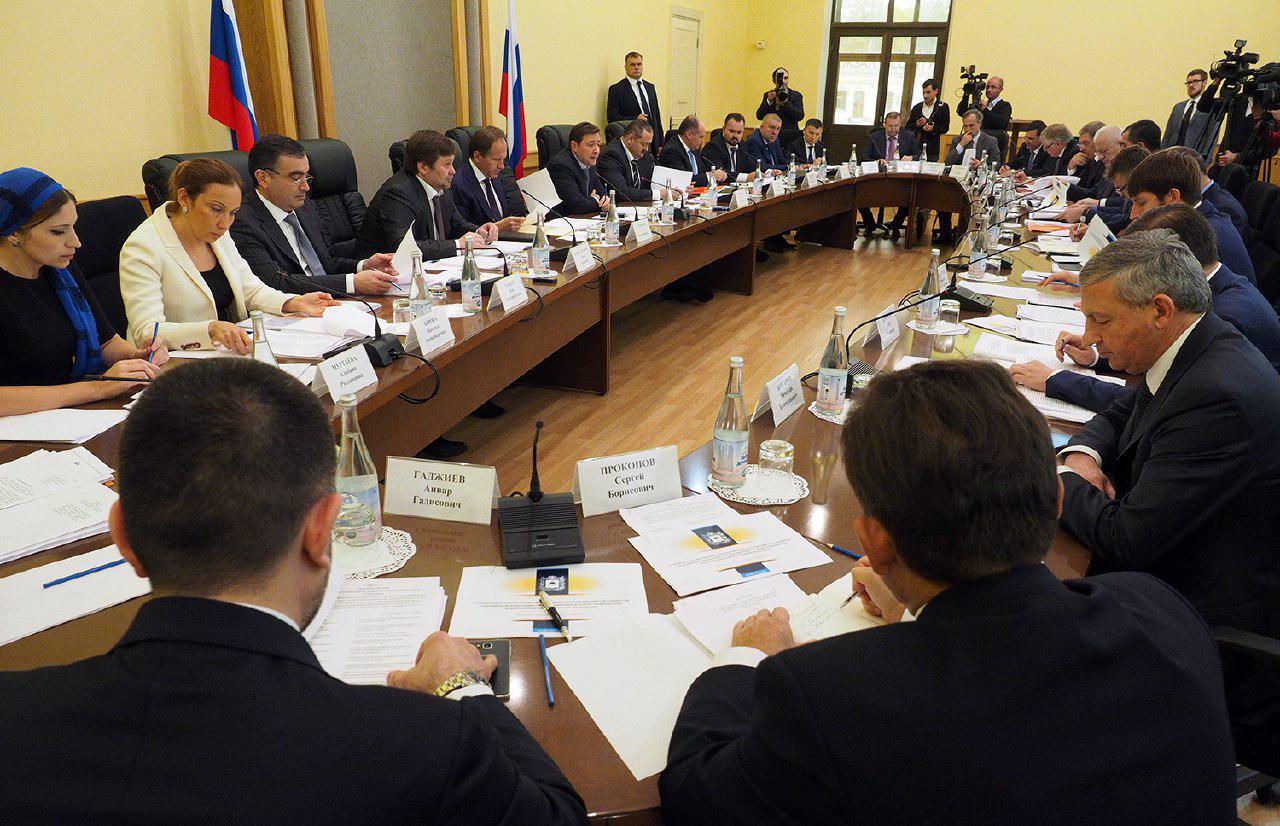 В Ессентуках обсудили ход исполнения «майских» указов Президента РФ и новую редакцию госпрограммы развития СКФО до 2025 года