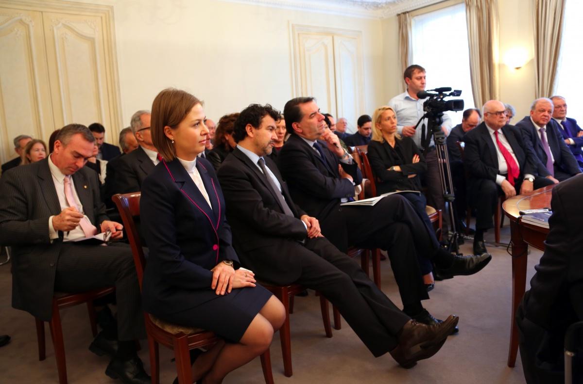 Глава Дагестана встретился с представителями деловых кругов Франции