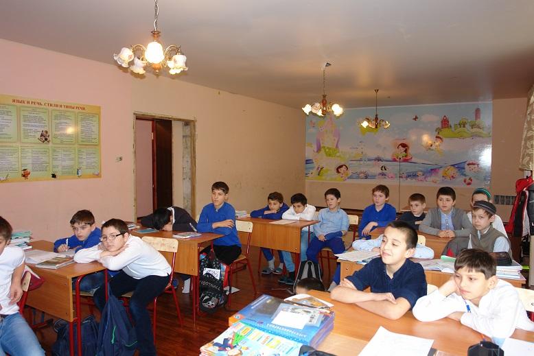 Дагестанский филиал РусГидро провел в школах Махачкалы тематические уроки