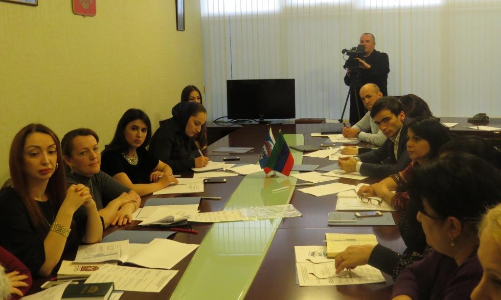 Единороссы обсудили реализацию партийного проекта «России важен каждый ребенок» в Дагестане