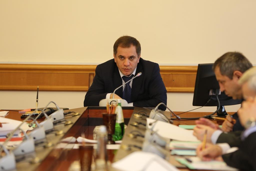 Под руководством Раюдина Юсуфова обсуждены вопросы реализации приоритетного проекта «Обеление» экономики»