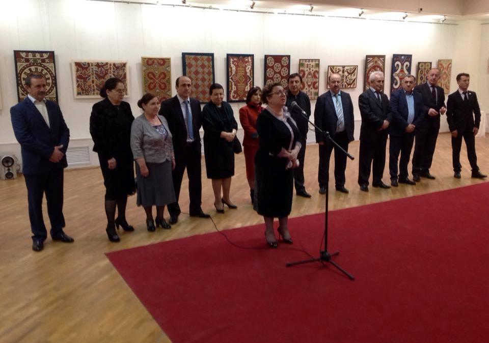 Акушинский район принял участие в выставке «Дагестанская вышивка. От Кайтага до Усиша»