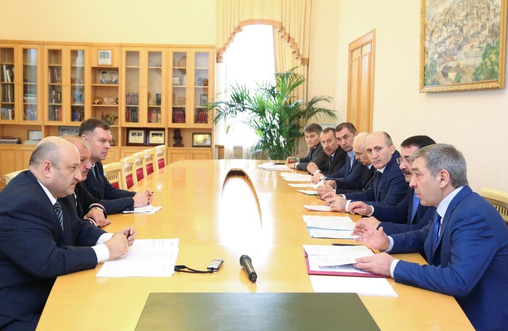 Абдусамад Гамидов провел рабочую встречу с руководством Северо-Кавказской железной дороги