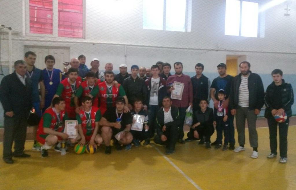 В Акушинском районе прошёл чемпионат по волейболу среди мужчин, посвящённый Дню местного самоуправления
