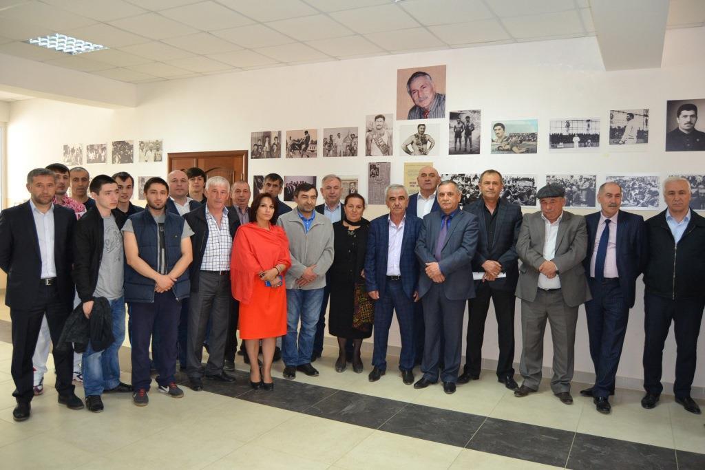 Фотовыставка  памяти Омаркади Омарова открылась в Акушинском районе