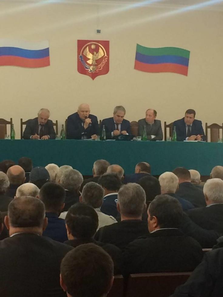 В Тарумовском районе обсудили итоги зимовки скота и окотной кампании в хозяйствах республики