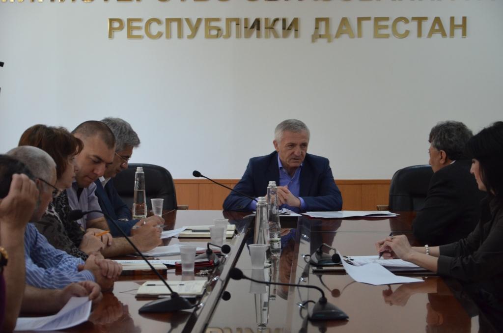 Министр образования и науки РД Шахабас Шахов провел очередной личный прием граждан