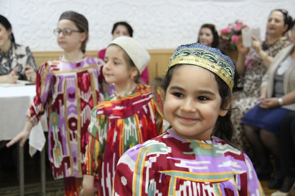 В республиканских учреждениях социального обслуживания семьи и детей отметили День Семьи.