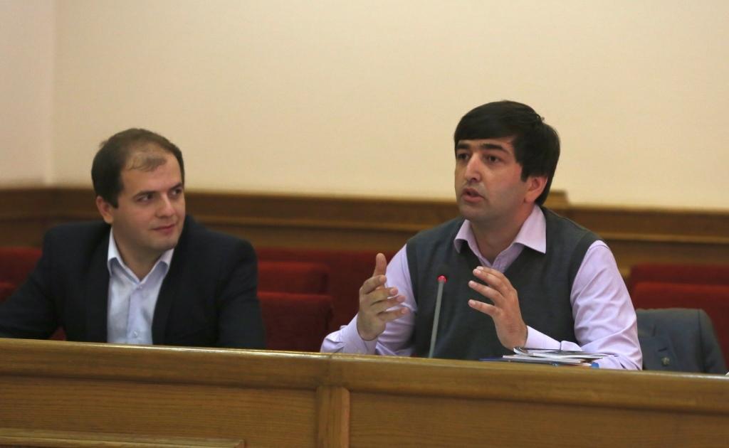 Молодым парламентариям Махачкалы рассказали о перспективных направлениях деятельности Минмолодежи Дагестана