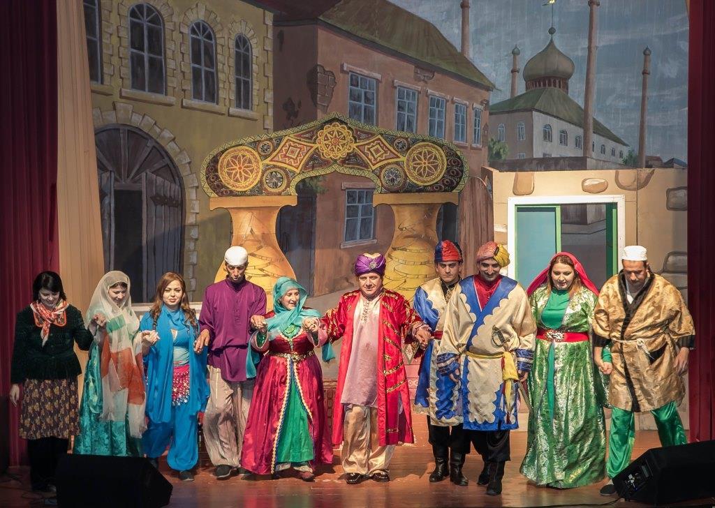 Коллектив Табасаранского государственного драматического театра посетил с гастролями города  Санкт-Петербург и Ставрополь со спектаклем «Звездочет».