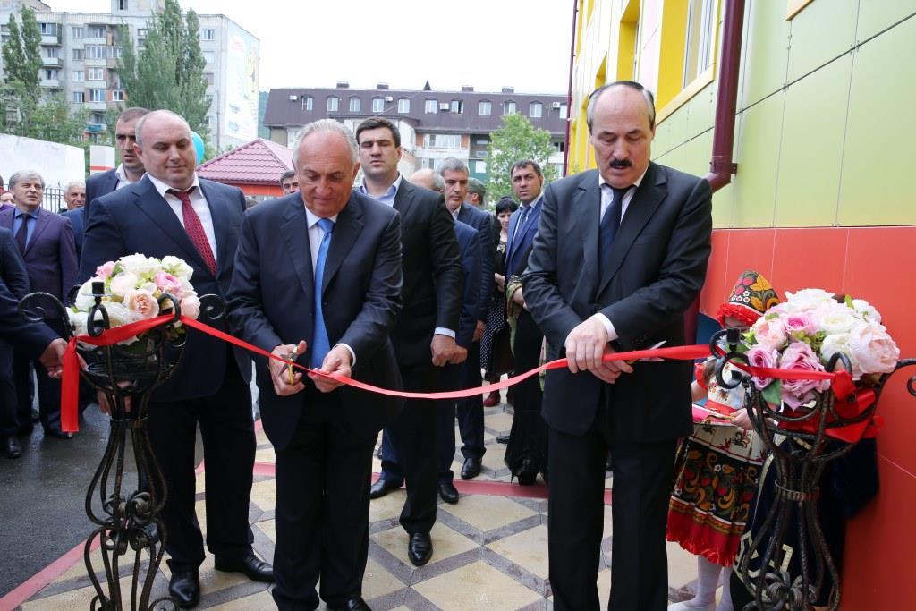 Глава Дагестана принял участие в открытии нового детского сада в  Махачкале