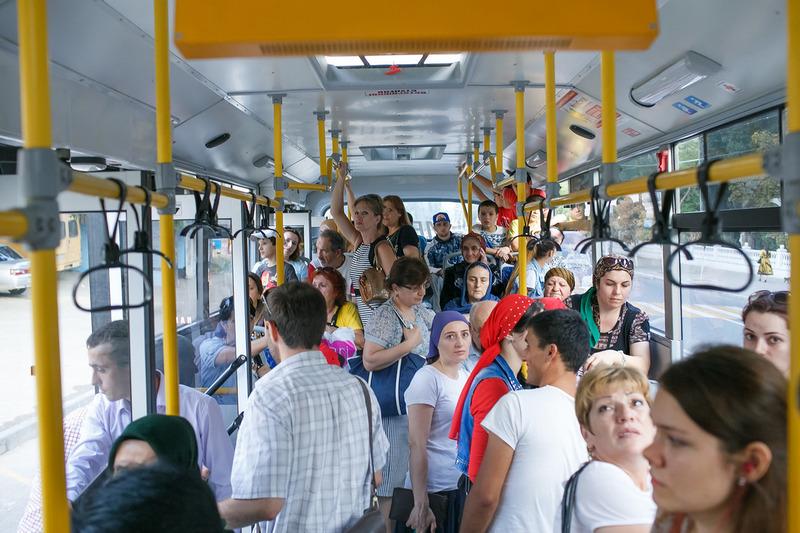 В городских автобусах появилась социальная реклама «За мирный Дагестан»