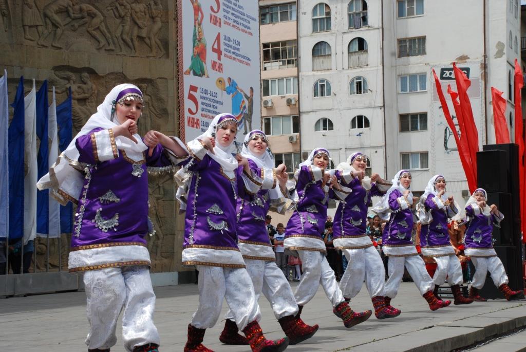 В Дагестане начал работу VII Международный фестиваль фольклора и традиционной культуры «Горцы»