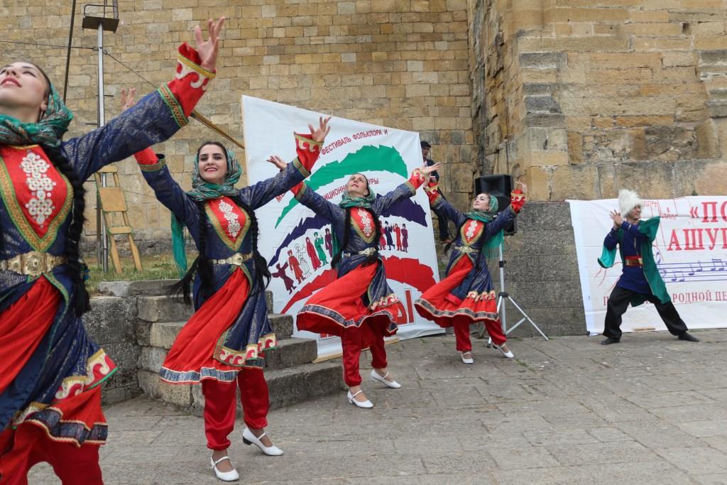 В Дербенте состоялся 7-й Международный фестиваль фольклора и традиционной культуры «Горцы»