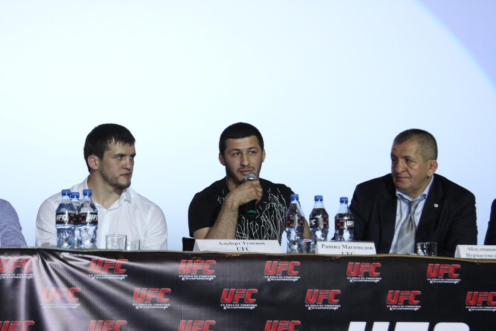Пресс-конференция с ведущими бойцами UFC прошла в Махачкале