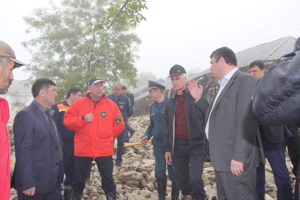 Рамазан Джафаров посетил Буйнакский район подвергшийся накануне стихийному бедствию