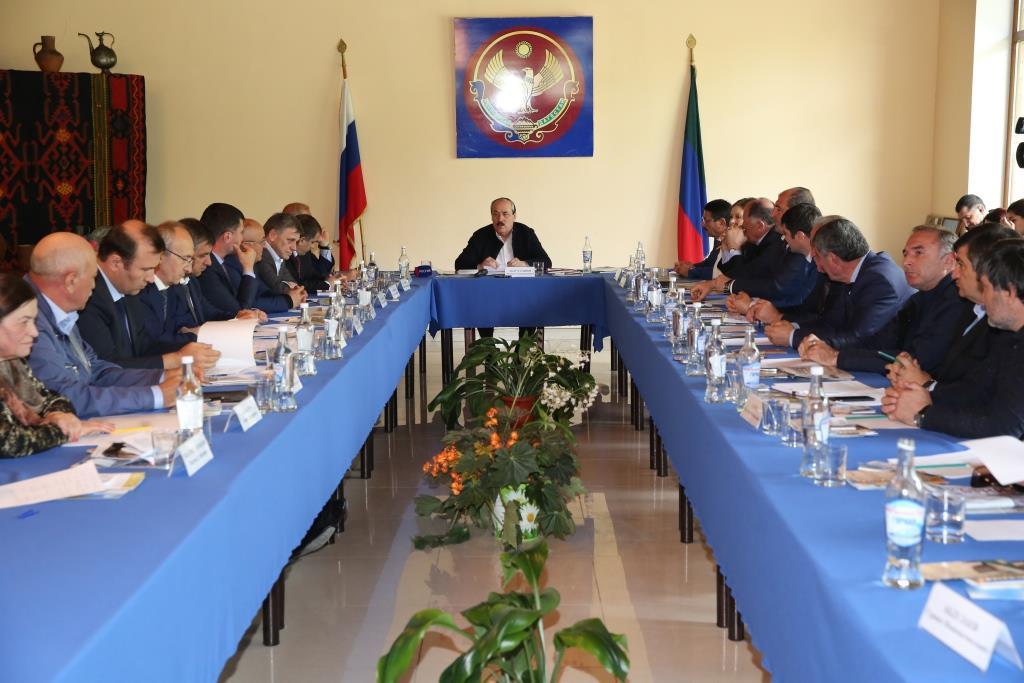 Рамазан Абдулатипов: «Наша задача - обеспечить положительную динамику социально-экономического развития в горных территориях республики»