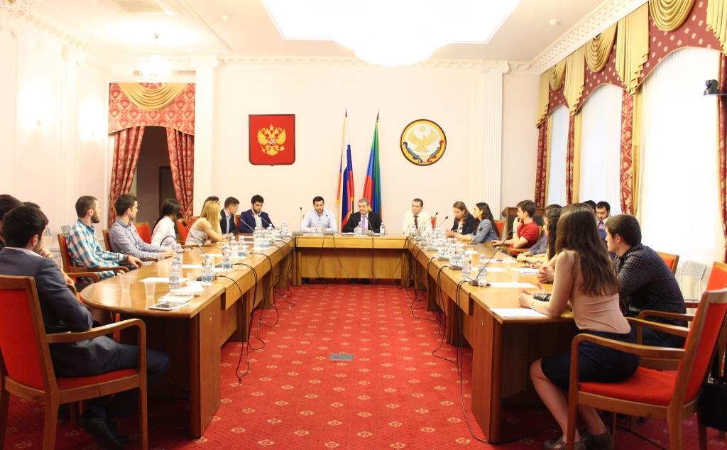 Встреча московской молодёжи с Ризваном Газимагомедовым