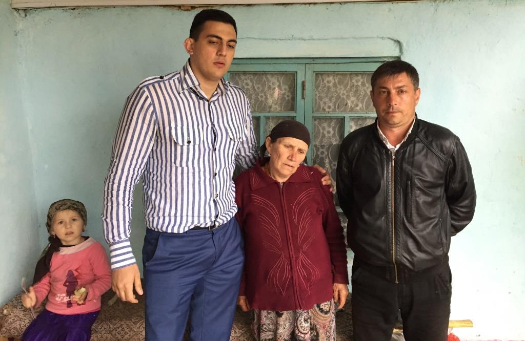 Единороссы посетили зону стихийного бедствия в Буйнакском районе