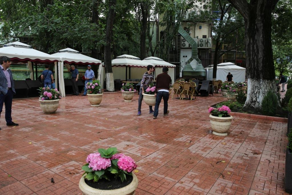 Детскую площадку в парке Дружбы в Махачкале вернули на место