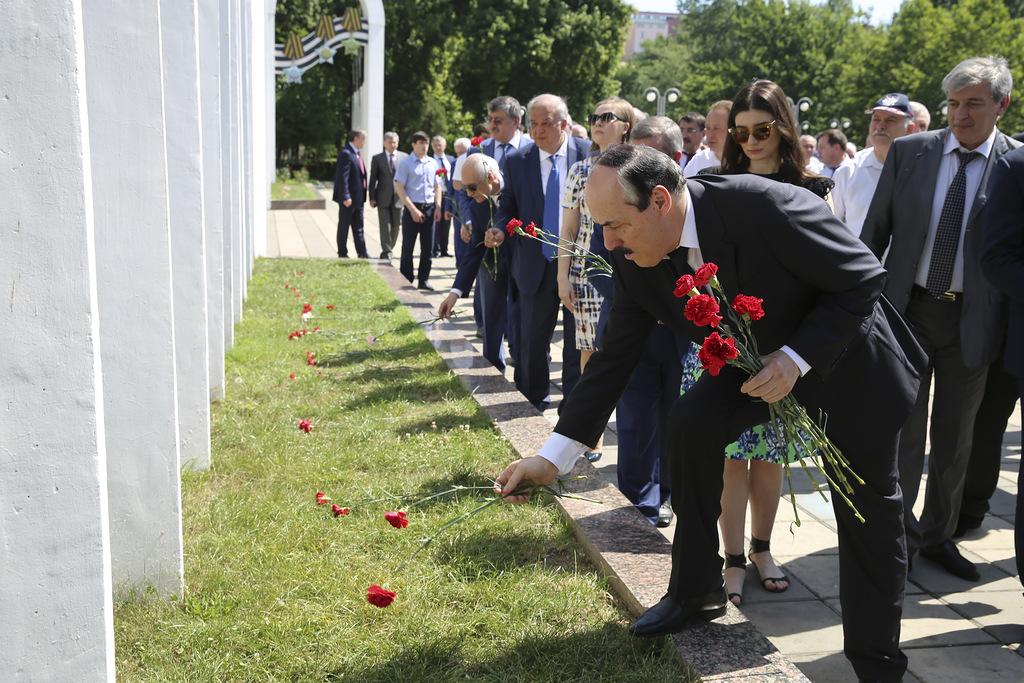 Рамазан Абдулатипов: «Мы будем помнить подвиг своего народа»