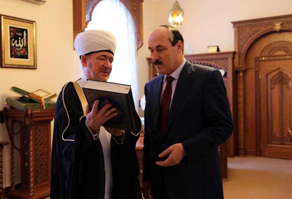 Глава Дагестана встретился с Председателем Духовного управления мусульман России, муфтием шейхом Равилем Гайнутдином