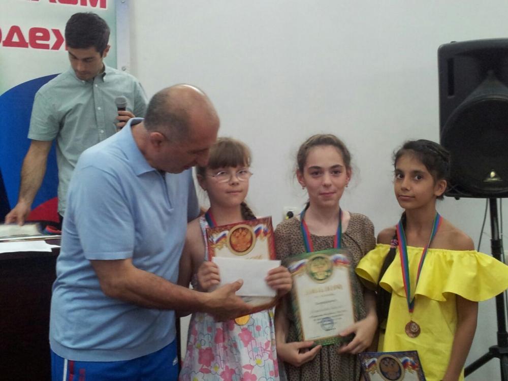 В Махачкале прошло Первенство РД по классическим шахматам среди юношей и девушек