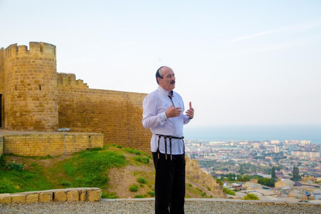 Глава Дагестана проголосовал за крепость Нарын-Кала на новой купюре