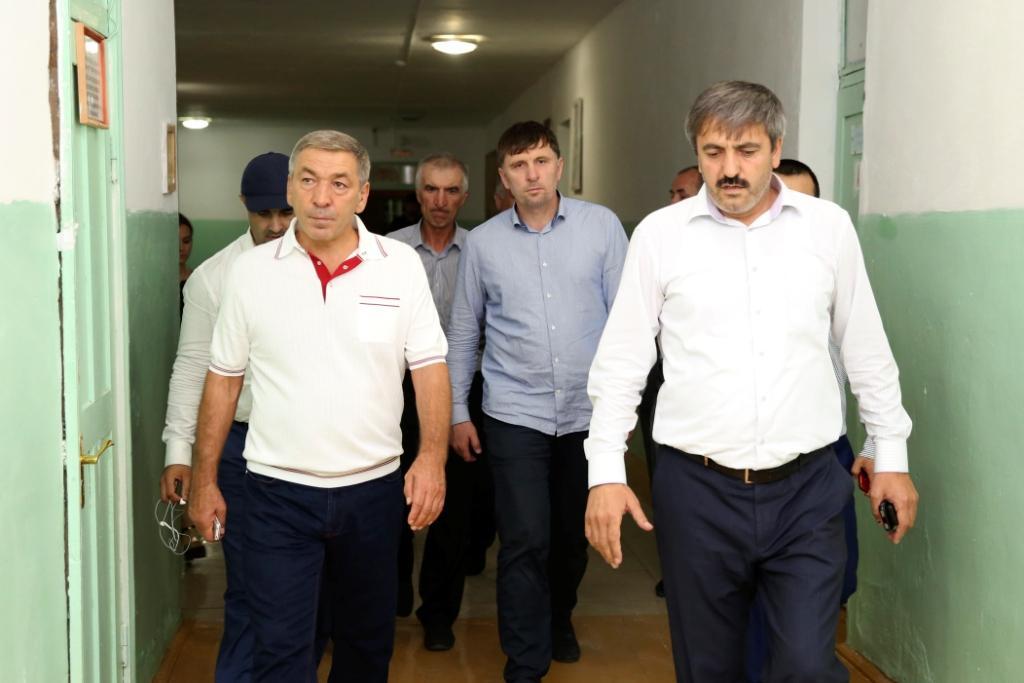 Абдусамад Гамидов ознакомился с ходом строительства спортивного сооружения села Кочубей