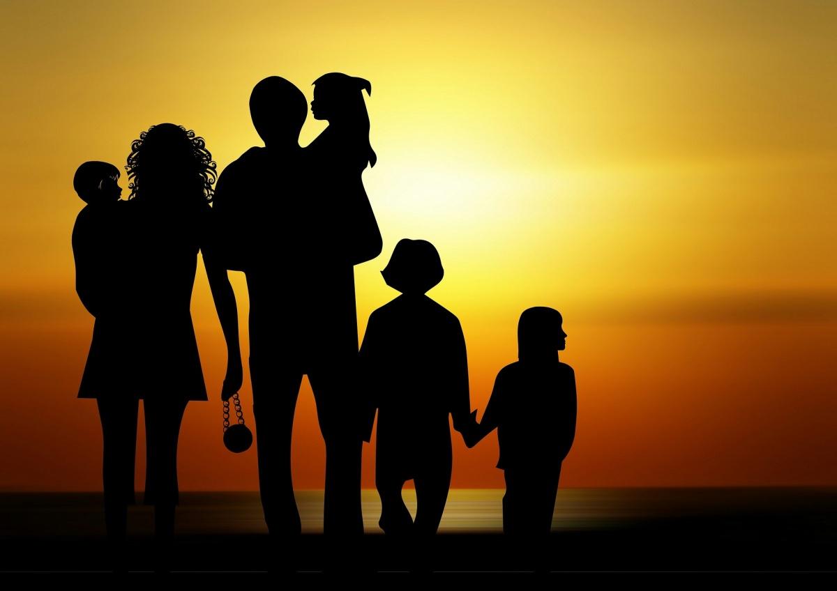 Дагестанских супругов поздравили с Днем семьи