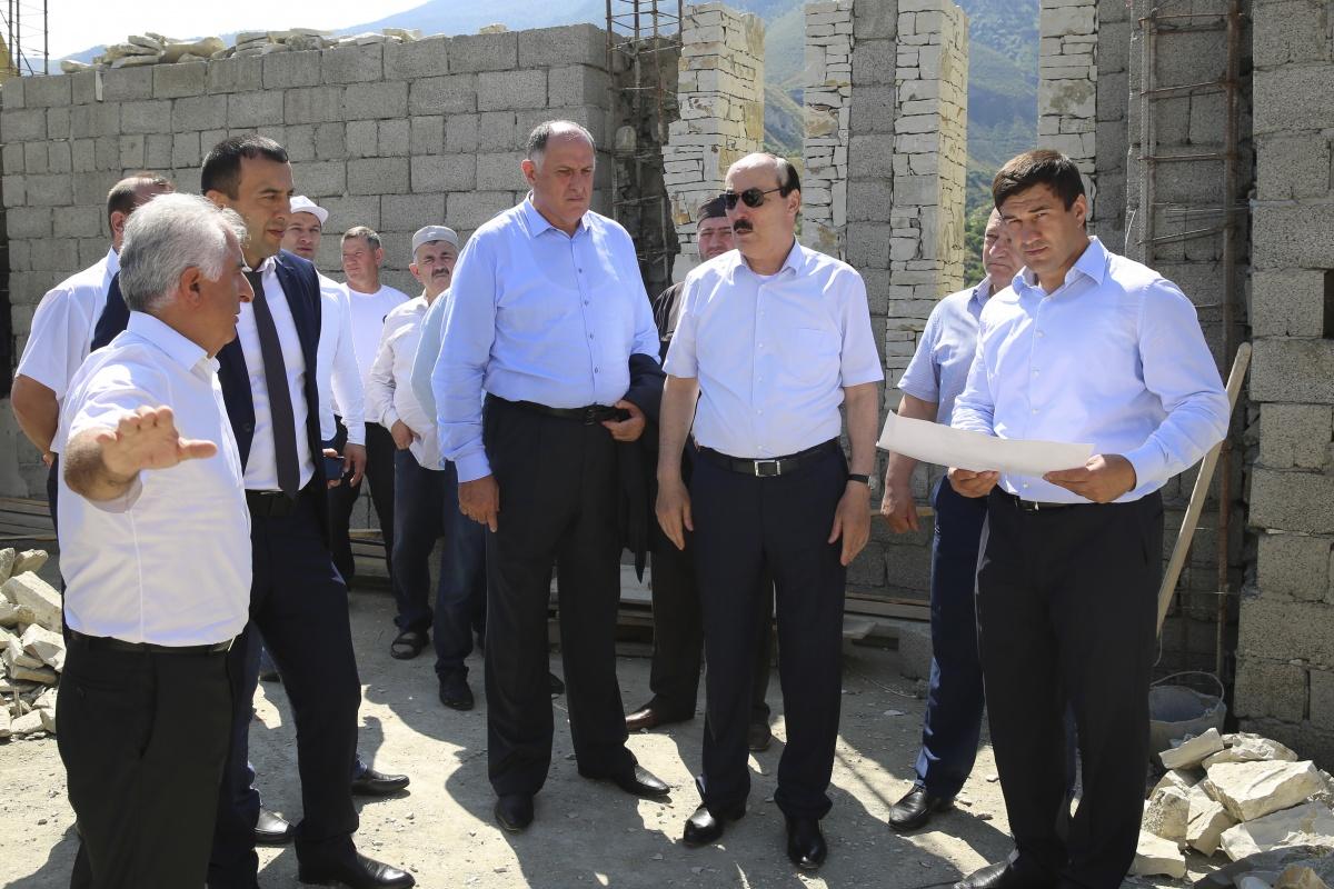 Глава Дагестана ознакомился с ходом сооружения этнографического мемориального комплекса «Ахульго»