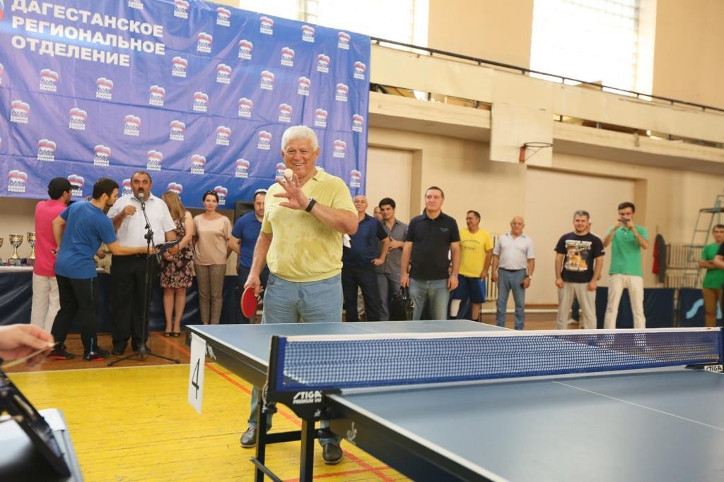 В Махачкале состоялся командный чемпионат Дагестана по настольному теннису среди мужчин и женщин.