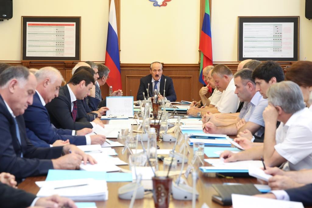Под руководством Рамазана Абдулатипова состоялось заседание Совета Безопасности Республики Дагестан