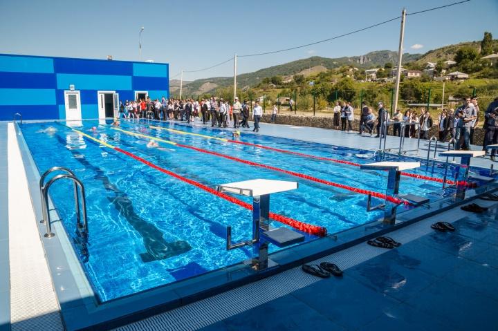 В Карачаевске открыты два плавательных бассейна