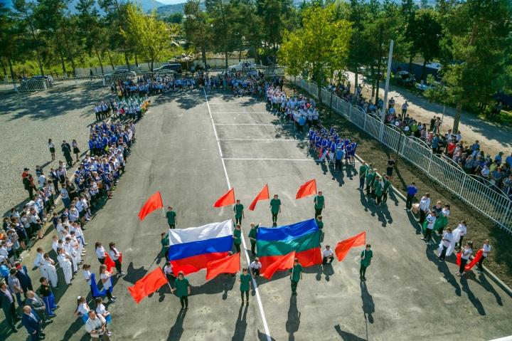 Рашид Темрезов принял участие в торжественном открытии нового физкультурно-оздоровительного комплекса «Родина» в Урупском районе