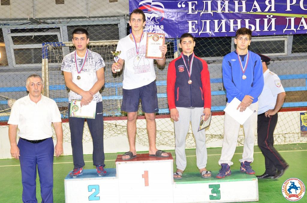 Расул Аслуев - серебряный призер первенства СКФО по вольной борьбе