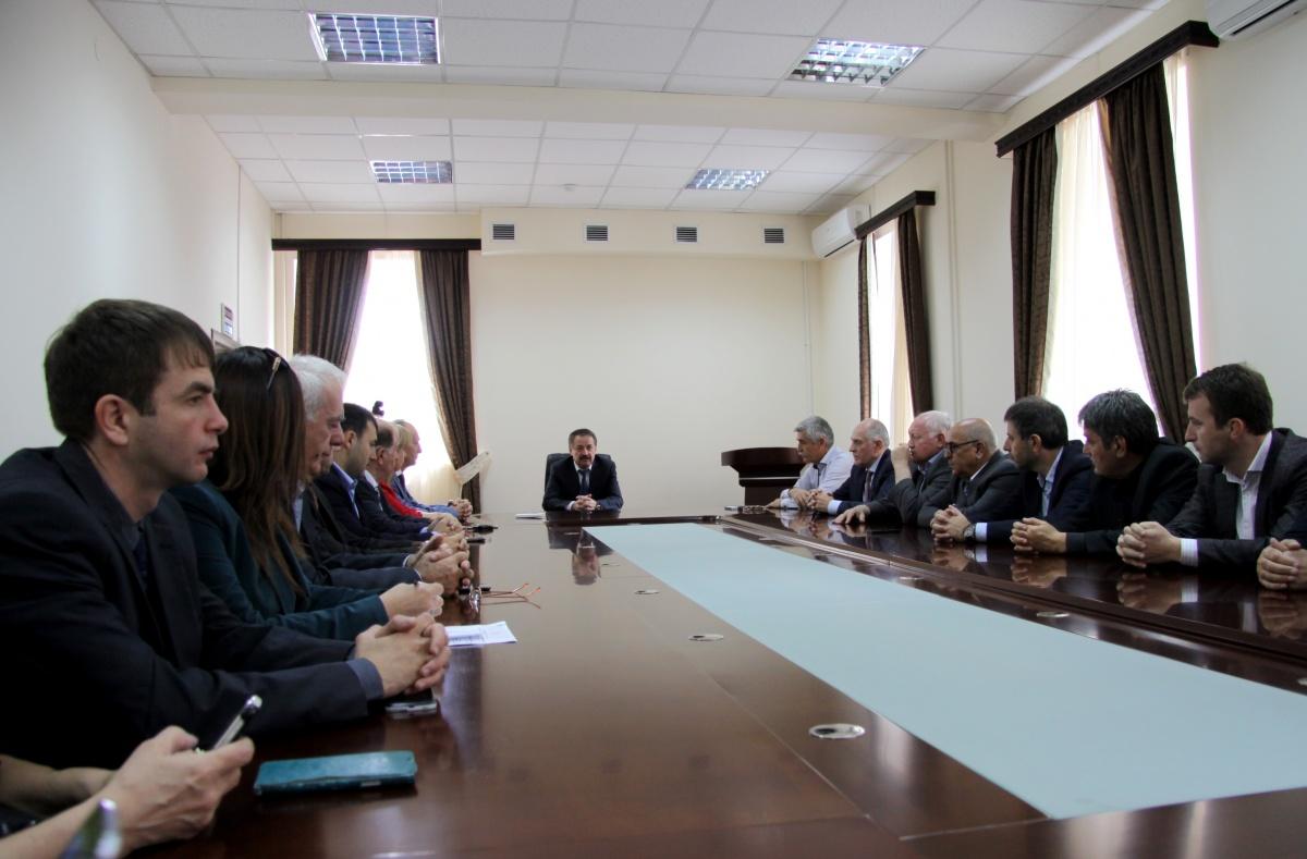 Торжественное собрание прошло в минтуризма Дагестана