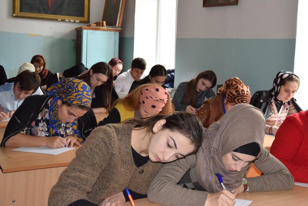 В Дагестане впервые прошел Тотальный диктант на языках народов Дагестана