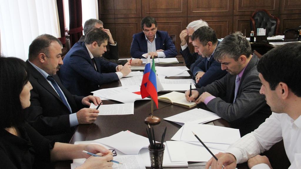 Глава Минтруда РД провел совещание по реализации приоритетных проектов развития Республики Дагестан