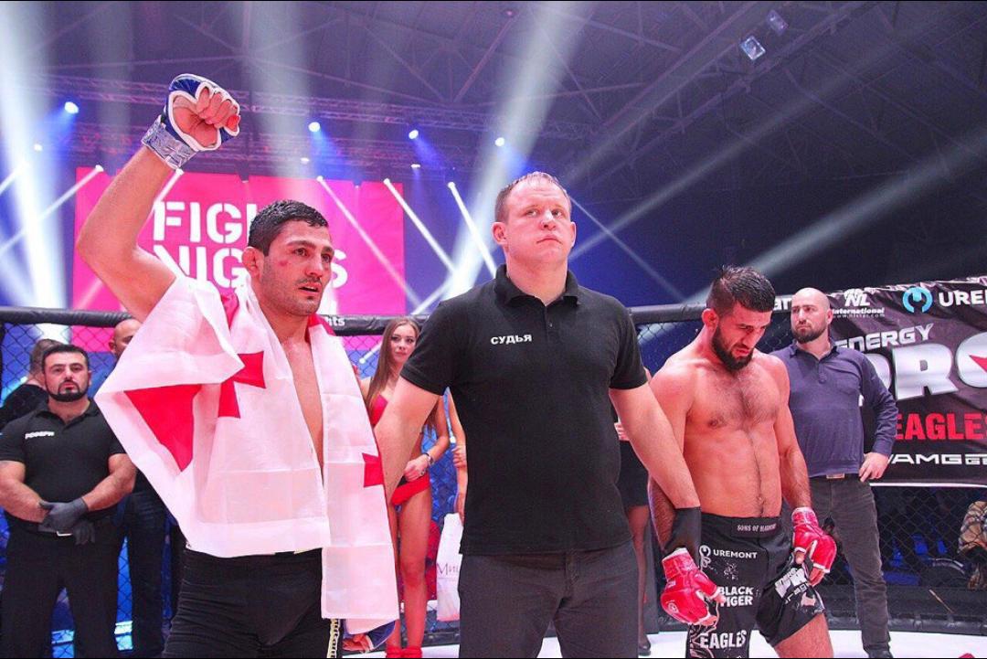 Расул Мирзаев потерпел первое поражение в карьере
