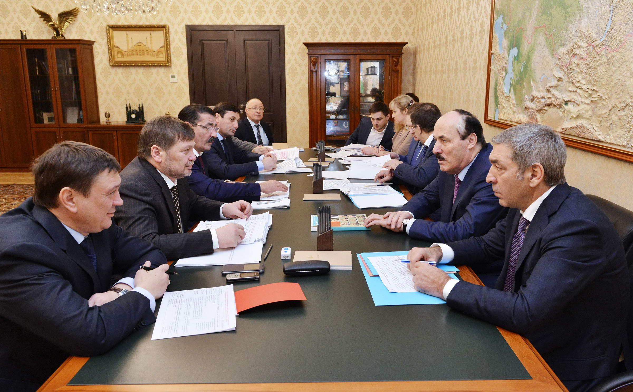 Встреча Одеса Байсултанова с Рамазаном Абдулатиповым состоялась в Минкавказе РФ
