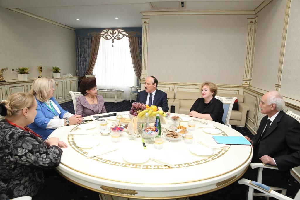 Глава Дагестана встретился с председателем Всероссийского общественного движения «Матери России»