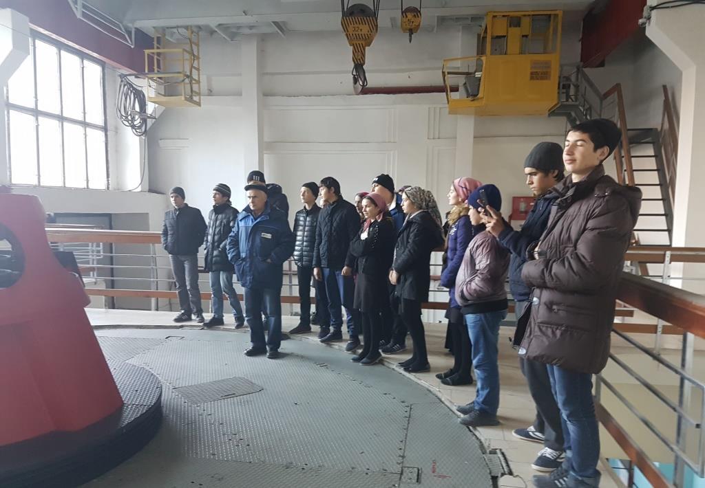 Школьники Гергебильского района посетили Гергебильскую ГЭС в рамках недели энергосбережения