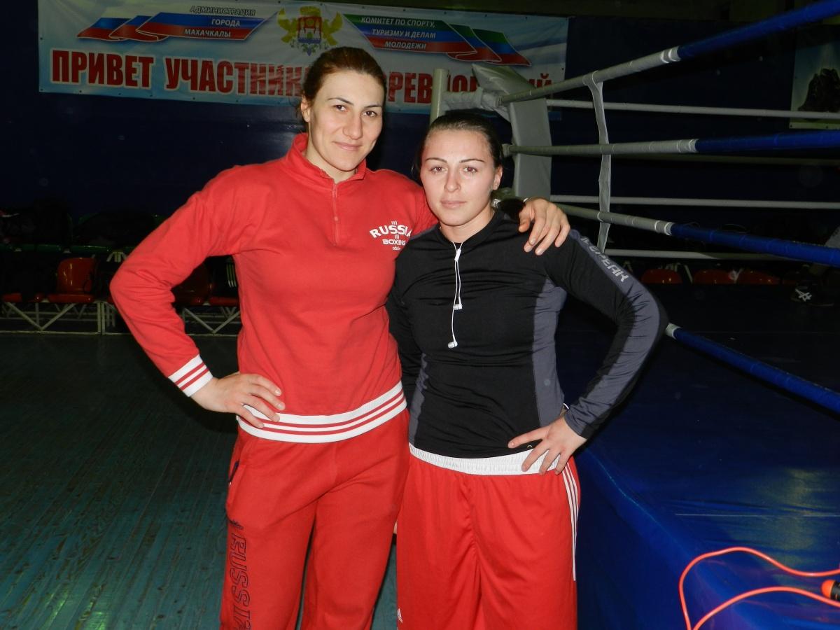 Зенфира Магомедалиева и Елена Выстропова выиграли чемпионат Европы по боксу среди женщин