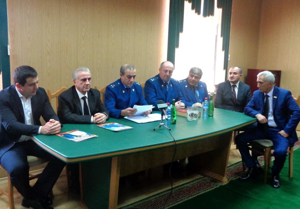Нового прокурора представили в Дагестанских Огнях