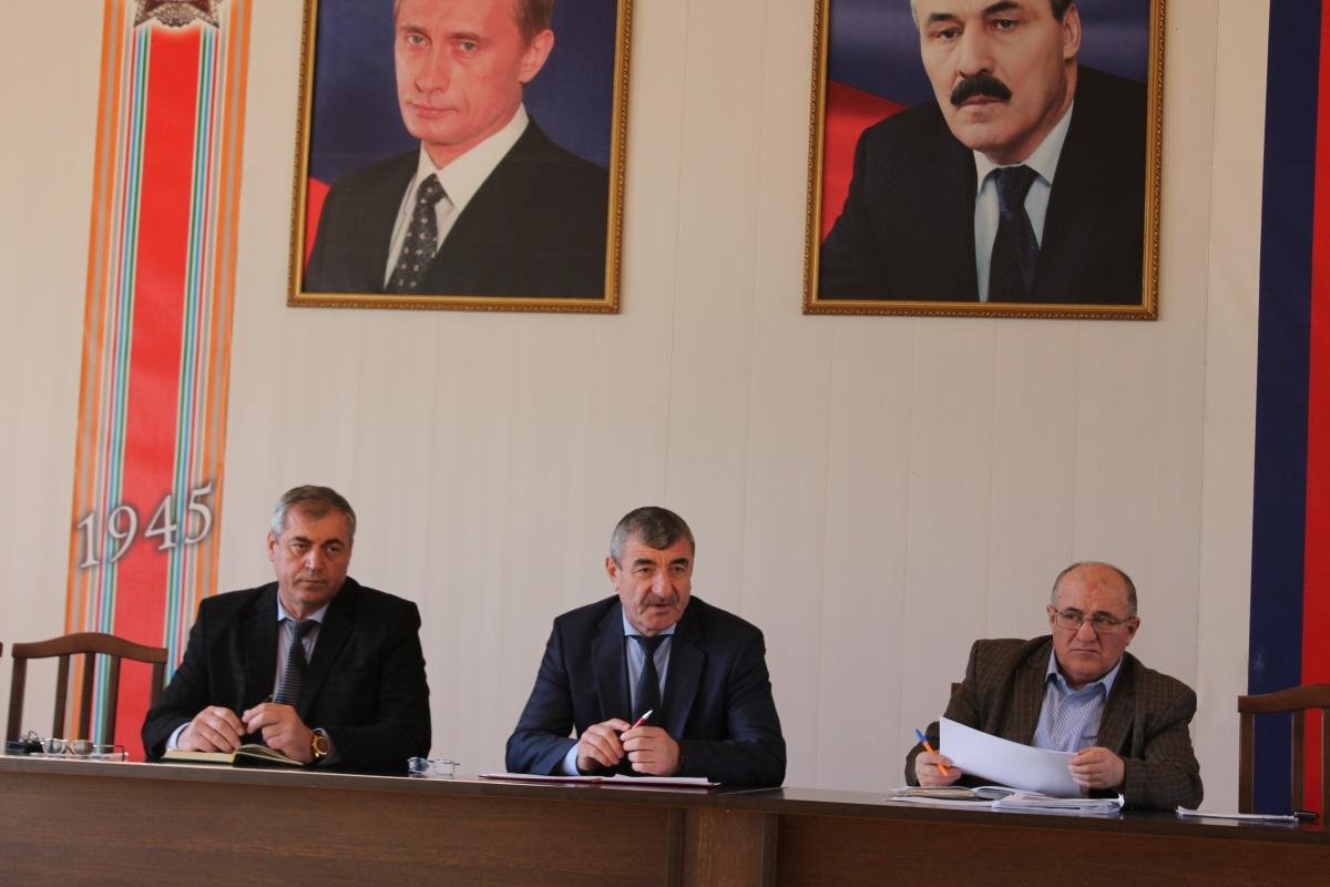 Обсуждение актуальных вопросов прошло на расширенном совещании руководителей учреждений Гергебильского района