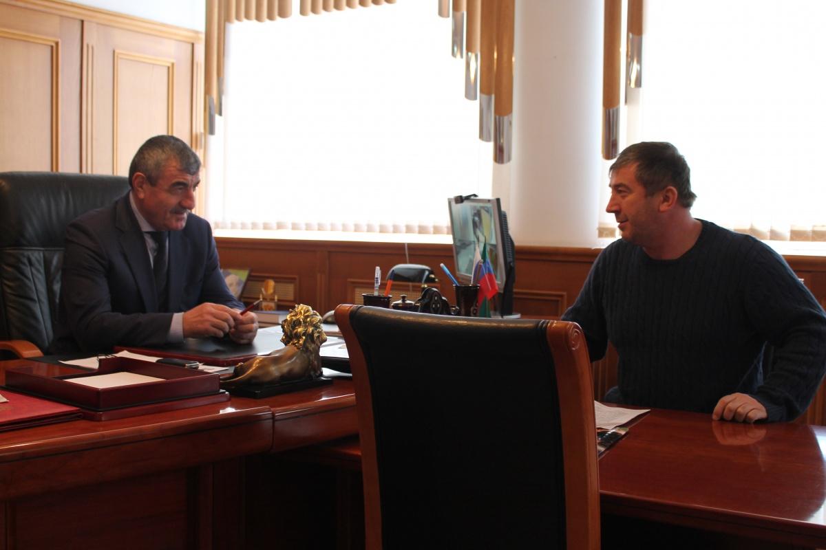 Глава Гергебильского района провел прием граждан